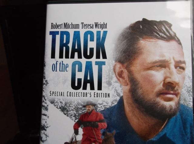 """Den danske dvdudgivelse af """"Track Of The Cat"""" fra 1954 byder på både et kommentarspor og et flerdelt omfattende making of-program om filmen. Desuden et par trailere og et fotogalleri - alt det til 19,95! Where do I sign?..."""